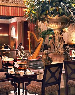 Drake_hotel_palm_court_tea