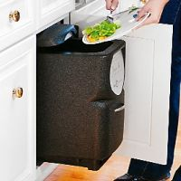 Black-kitchen-compost-bin