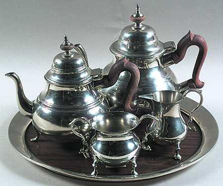 Kirk_stieff_williamsburg_pewter_hollowware_5_piece_tea_set_with_tray_P0000047839S0031T2