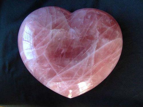 Rose-quartz-heart-carvings-large-7-8-inch-1