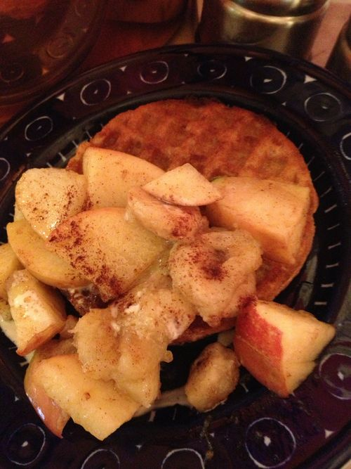 Skinny Sexy Breakfast: Waffles and lightly cooked fruit