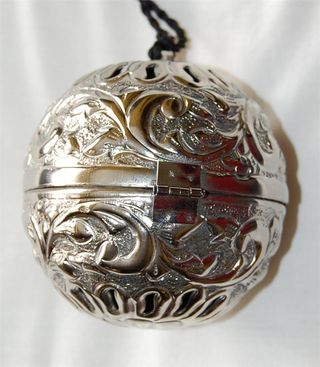 Silver-friendship-ball-embossed-floral-800x917