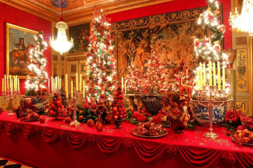 Pretty-christmas-table-setting-photo_1176266-770tall (3)